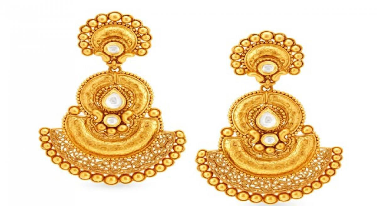 Tanishq launches Swarnam collection