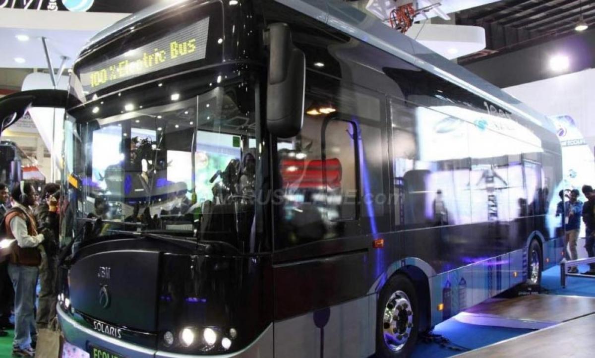 2016 Auto Expo – JBM and Solaris ECOLIFE electric bus