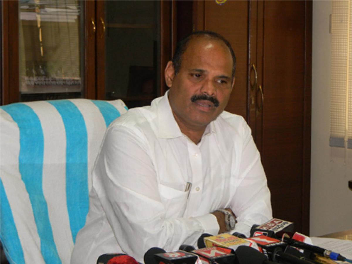 YSRCP demand inquiry into Pushkaram works