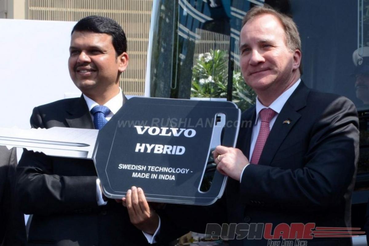 Volvo 8400 Hybrid City Bus on Navi Mumbai roads