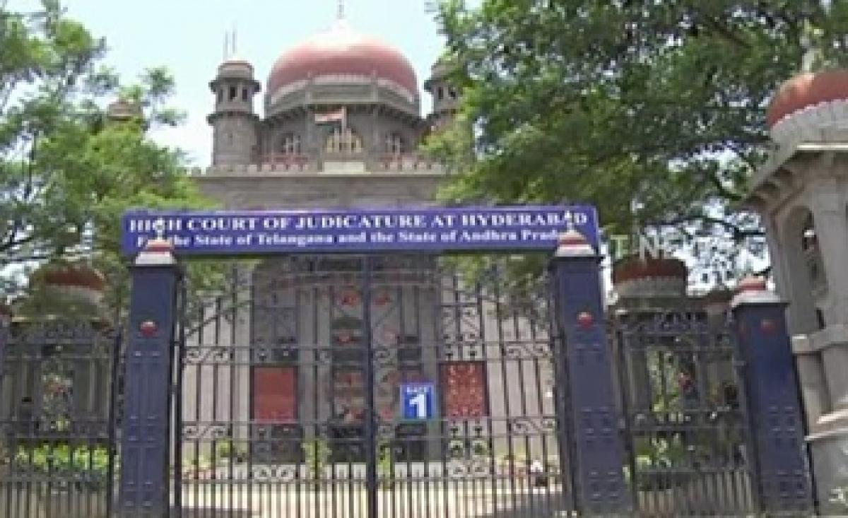 Chandrababu Naidu dawdling on High Court division: TRS
