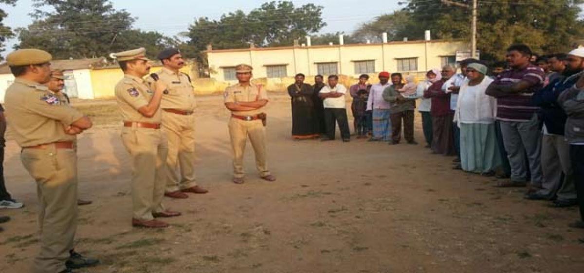 Help Karimnagar free from gutka, mutka: Kamalasan Reddy