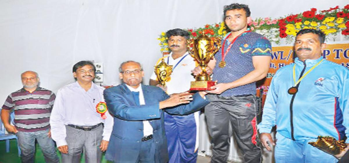 Punit clinches gold