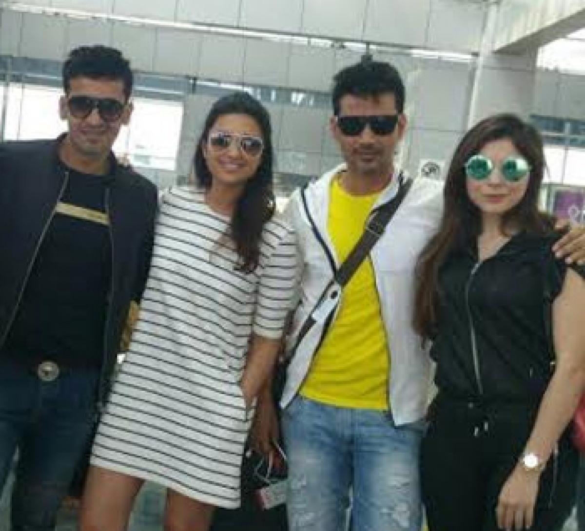 Meet Bros, Parineeti Chopra and Kanika Kapoor jam at the airport