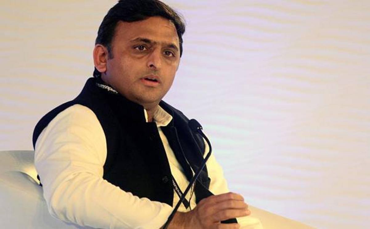 Akhilesh Yadav calls emergency meet after his expulsion