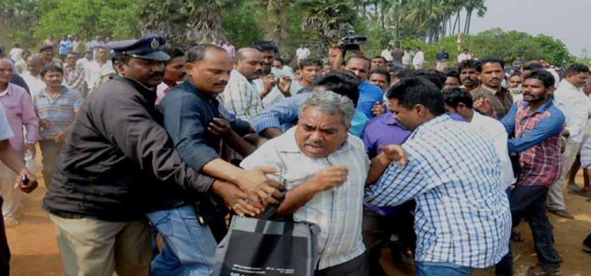 Tension mars public hearing: Bhogapuram
