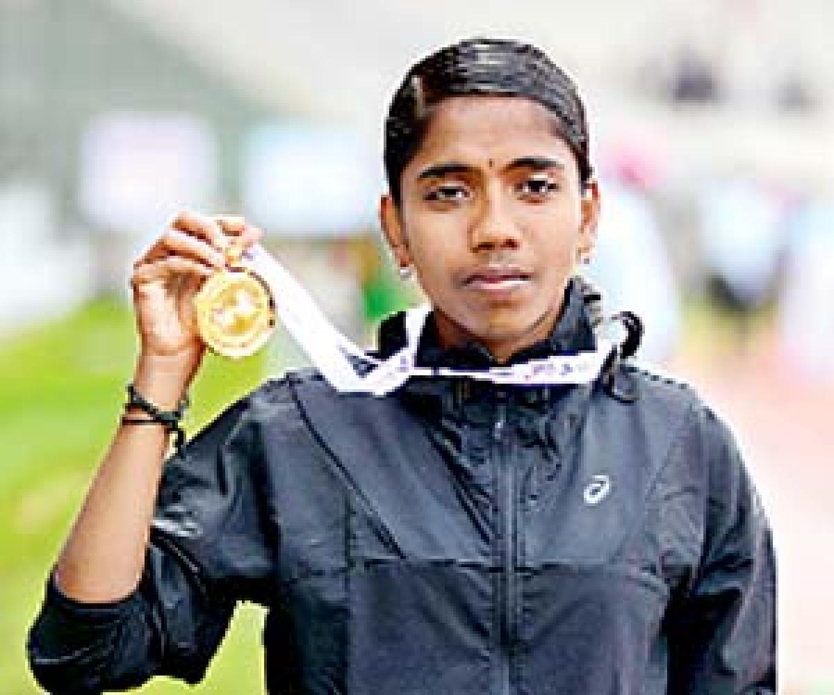 Lakshmanan, Suriya defend titles
