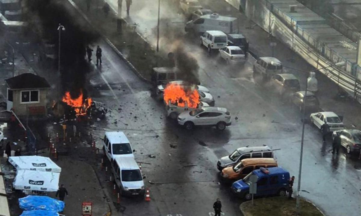 2 killed in Turkey car bombing