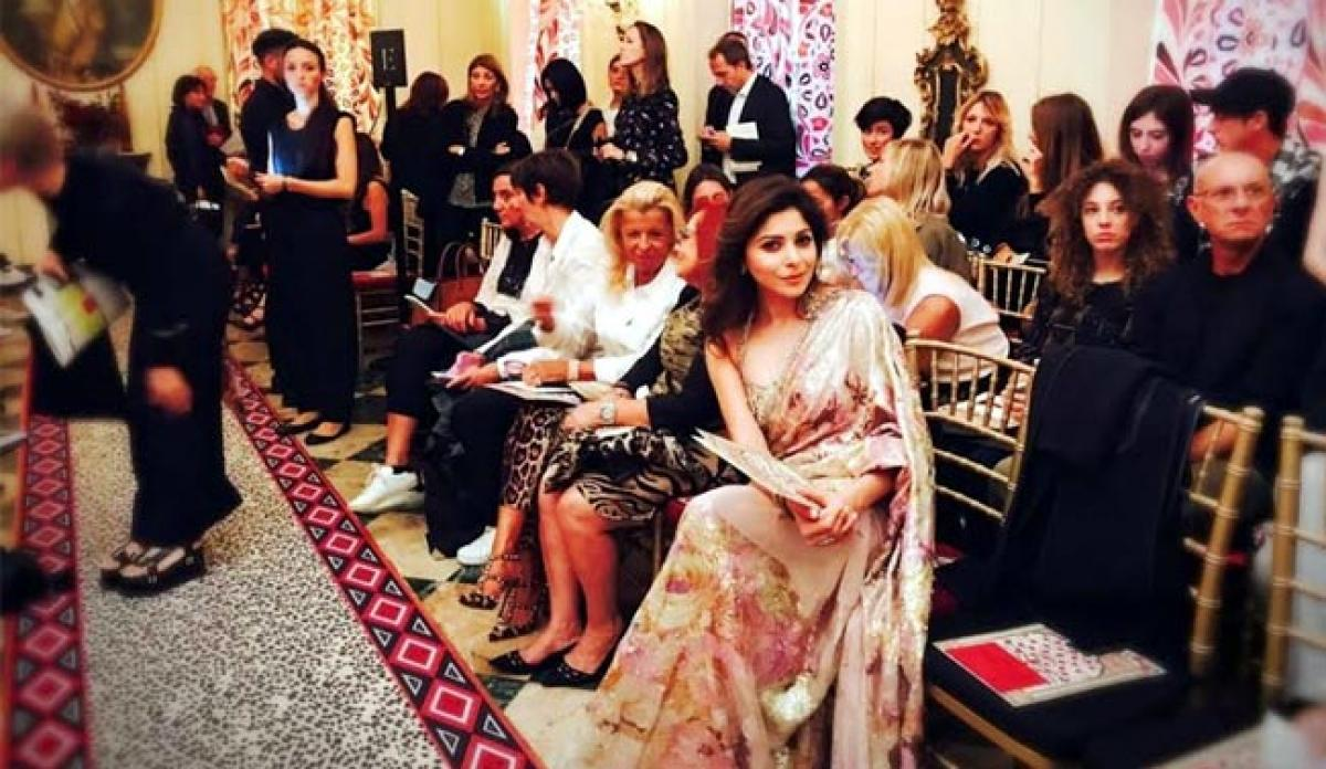 Kanika Kapoor on the front row of Roberto Cavalli's show ...