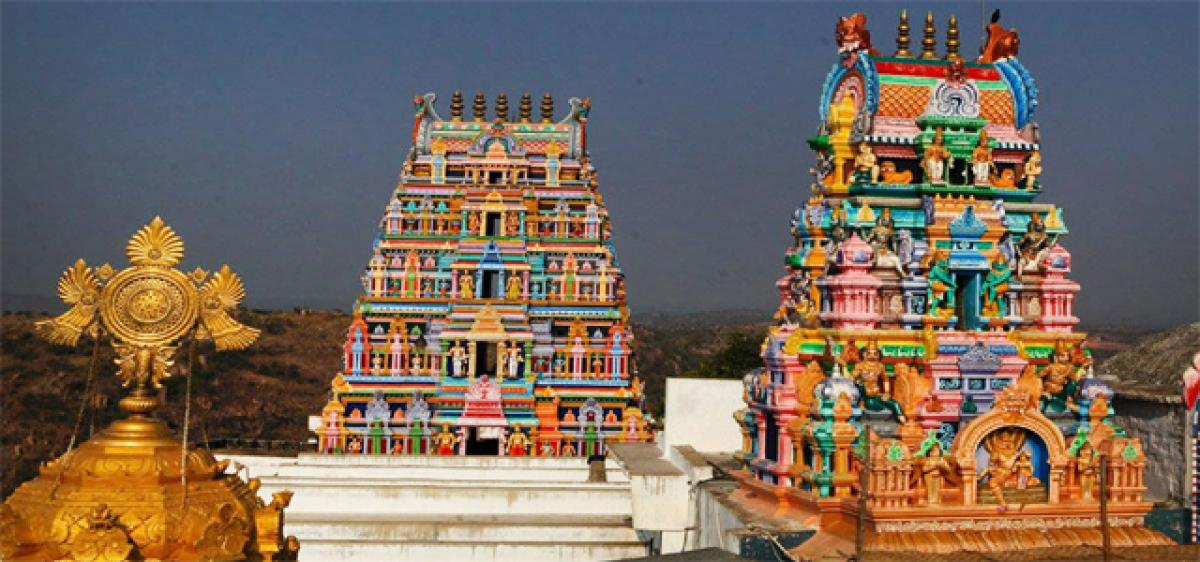 Dhanurmasa special pujas begin at Yadadri temple