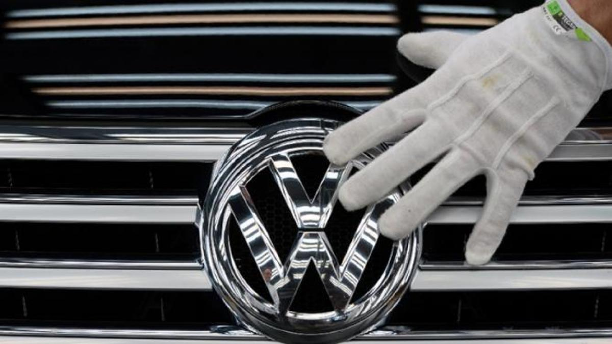 Volkswagen violated emission rules in larger engines: US