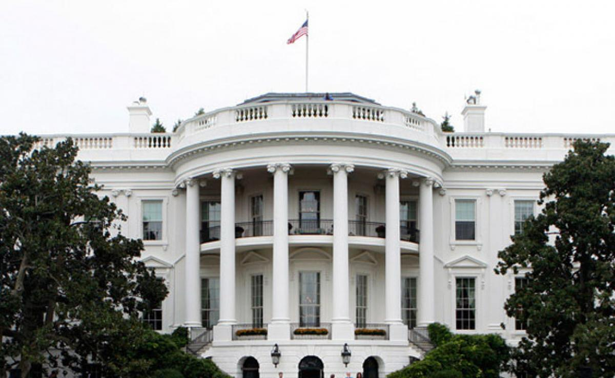 Man In Custody After Bringing Suspicious Package Near White House