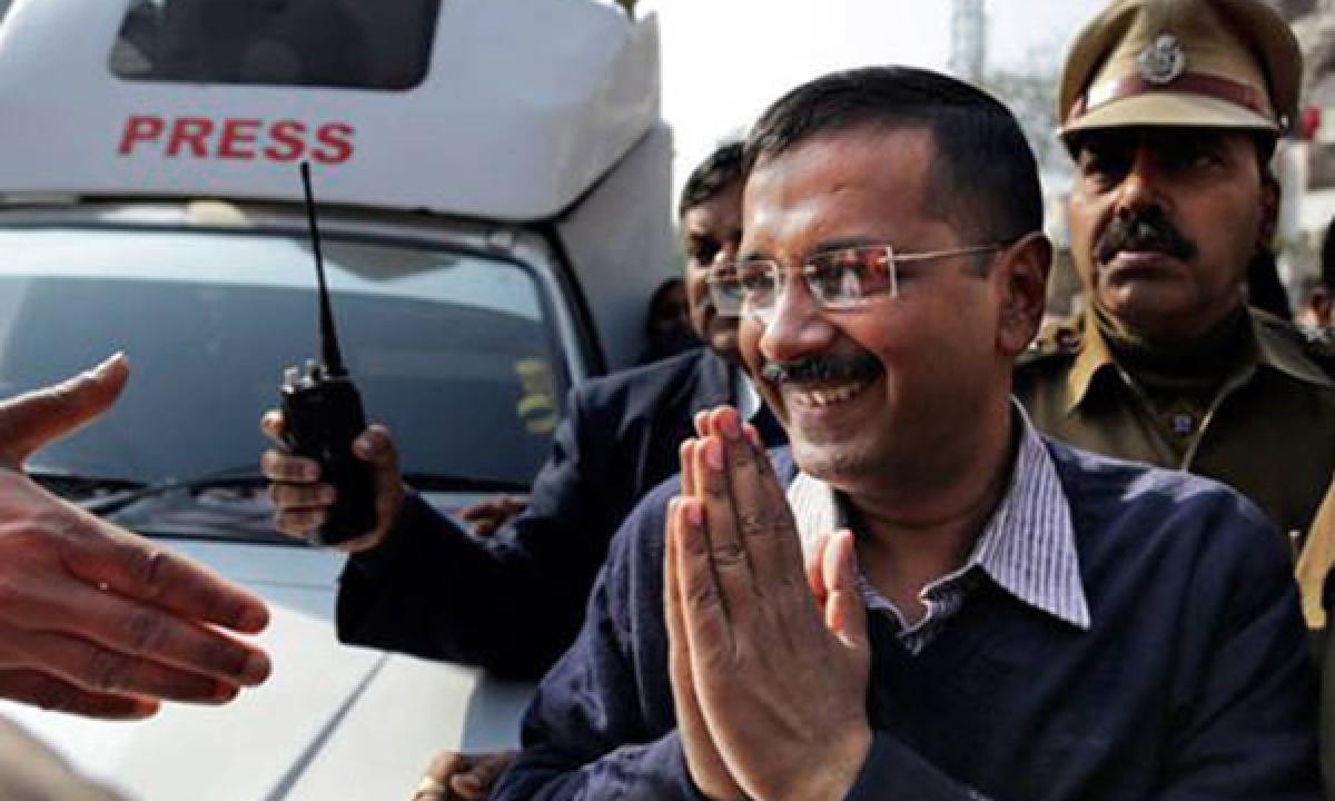 Delhi cops arrest 120 BJP councillors outside Kejriwals residence