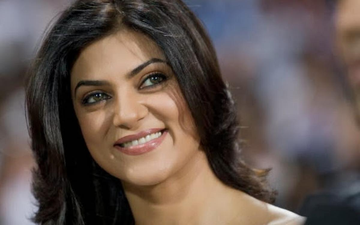 Dimpled beauty Sushmita Sen is back to woo the Universe on Instagram