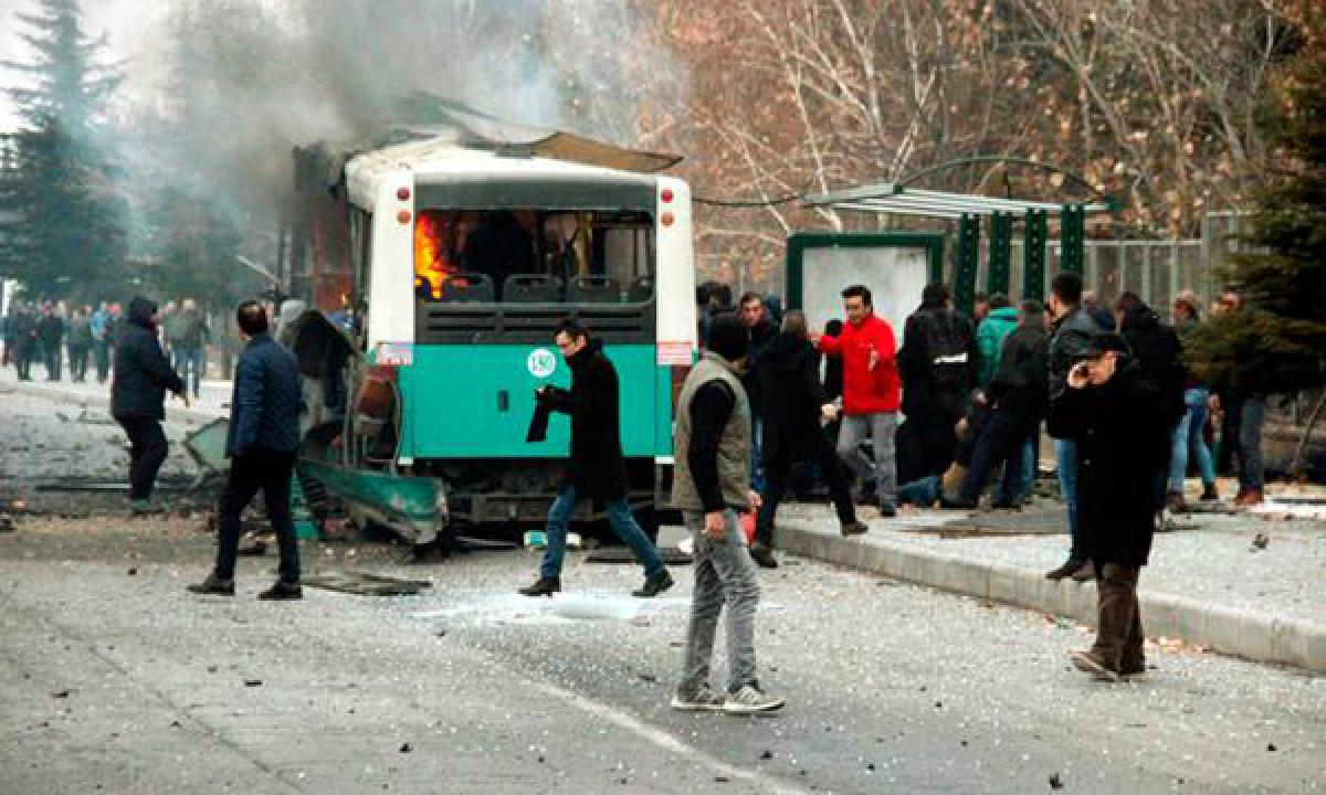 Explosion hits bus transporting soldiers in Turkey killing 13