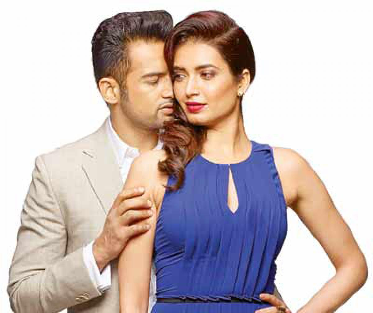 Karishma, Upen shake a leg on 'Pardes' song
