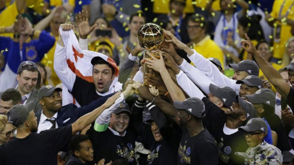 NBA: Durant powers Warriors over Cavaliers to claim title