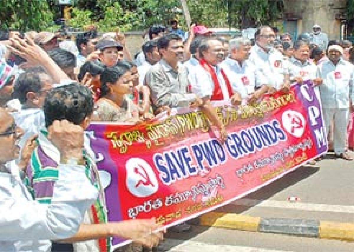 Left parties protest against City Square