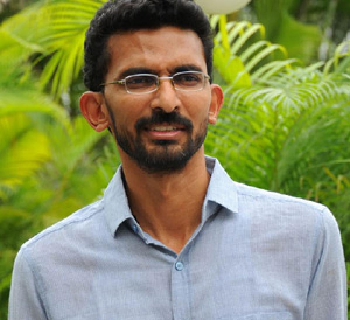 Sekhar to remake Happy Days in Hindi