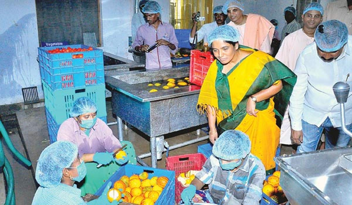 Anna Canteens will be opened across State says : Paritala Sunitha