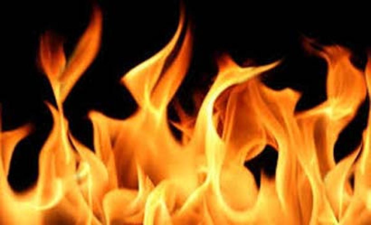 Slum fire kills infant, two minors in Delhi