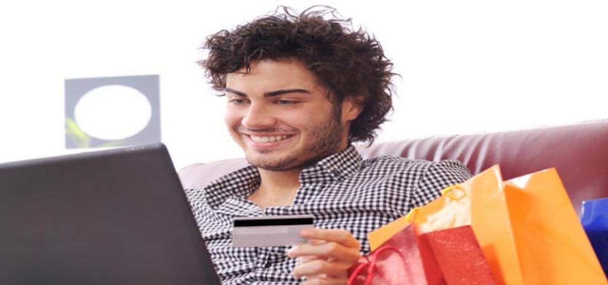 Indian men emerge big online shoppers of 2016: Flipkart
