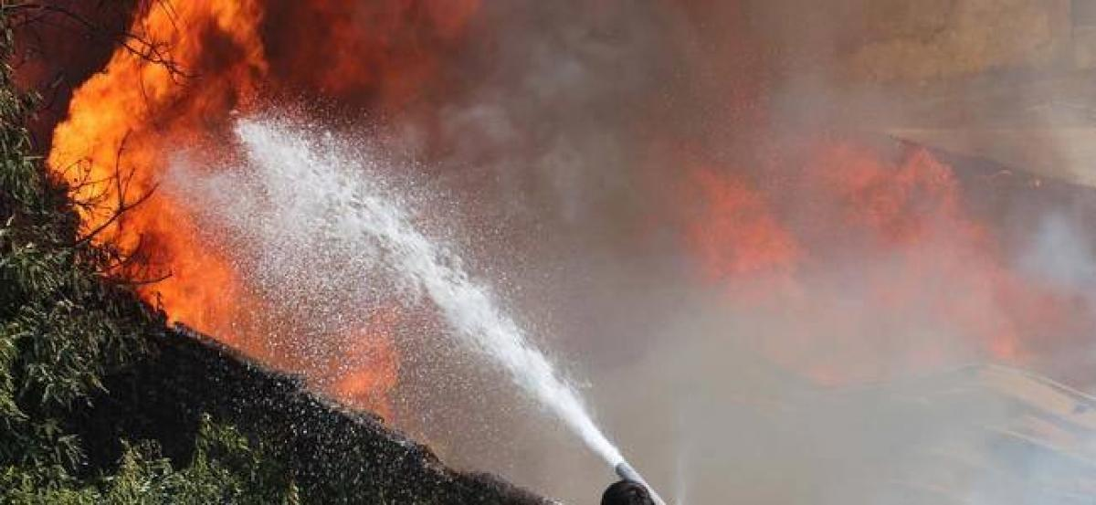 Fire at furniture godown in Thane