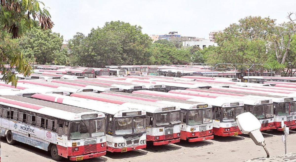 Aadhaar glitch hits TSRTC buses