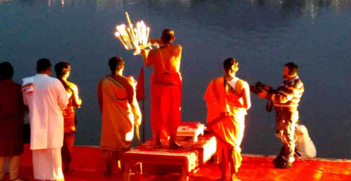 Discover Pushkars sacred essence: Merging of myth and mystique