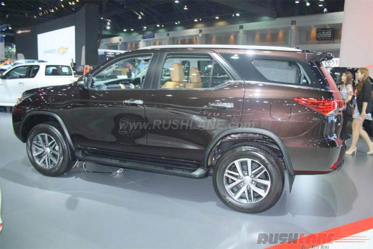 Whats the waiting period for Toyota Innova Crysta?