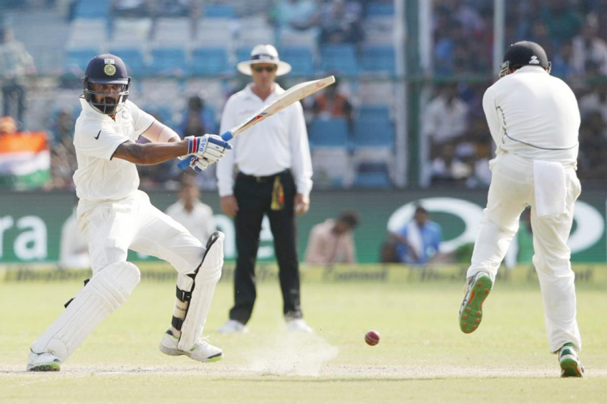 India takes lead of 308 runs over New Zealand at lunch on Day 4