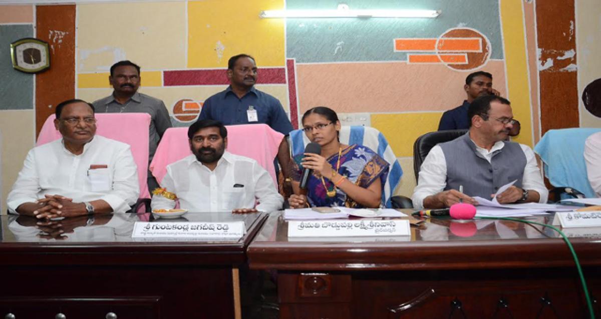 Shun group politics, focus on devpt, Councillors told