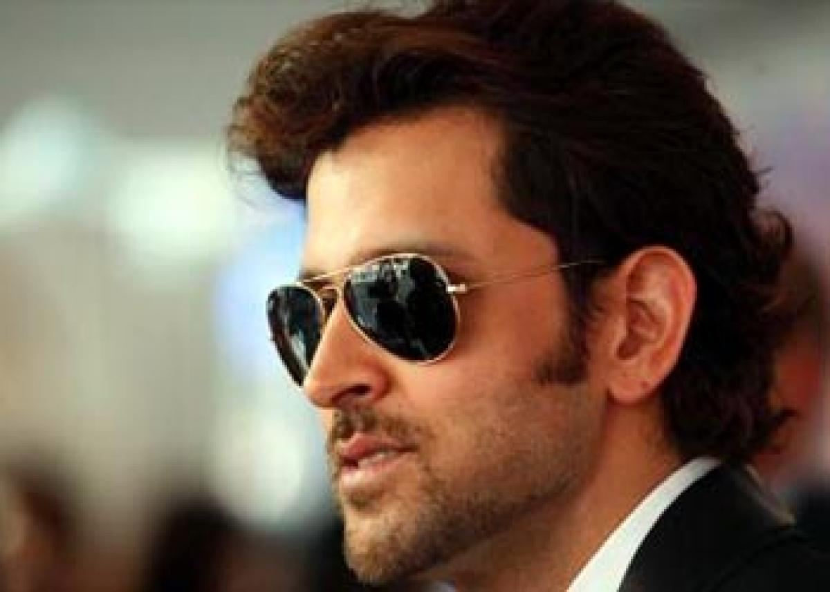 Hrithik extends support to Jacqueline