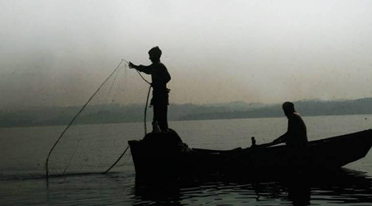 10 Indian fishermen arrested by Sri Lankan navy