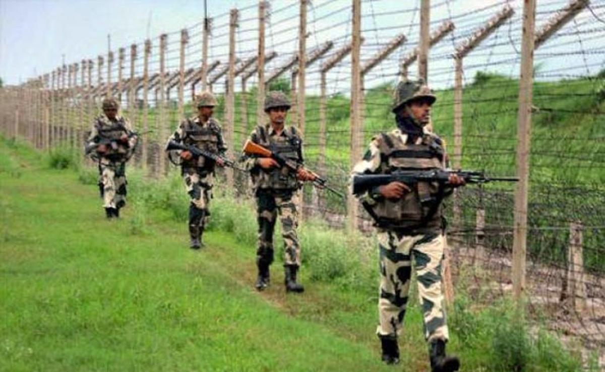 Pakistan Army violates truce on LoC
