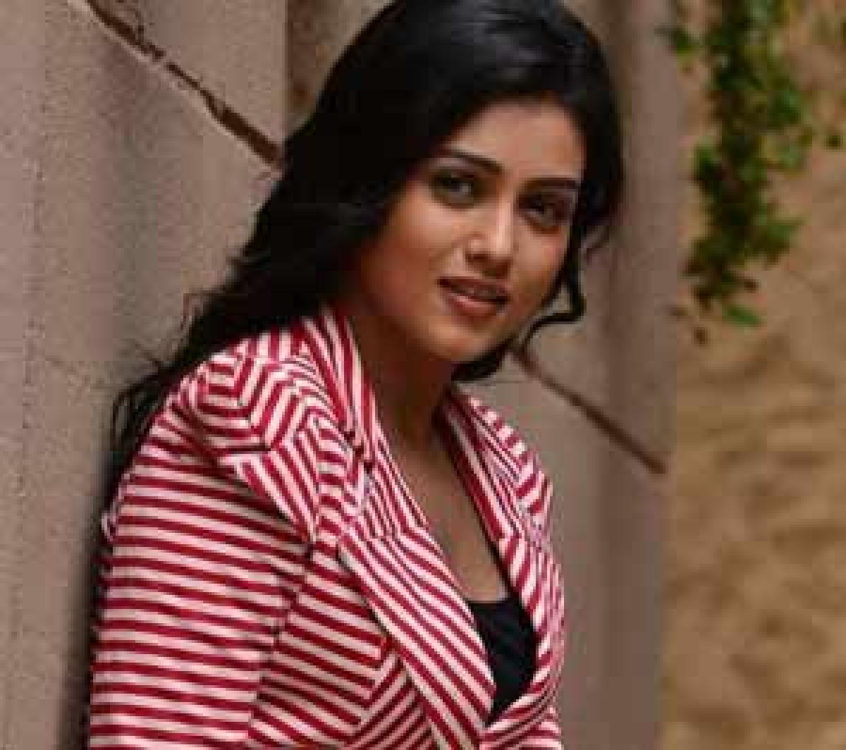 Mishti to romance a debutant