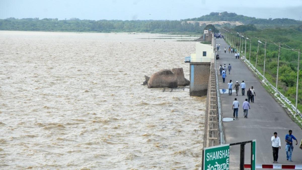 Southwest monsoon advances into AP, Telangana: Rains up water levels of rivers