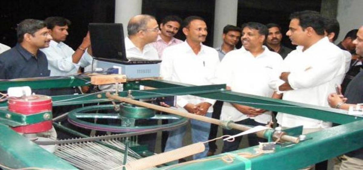 Centre to help Telangana weavers entwine their dreams