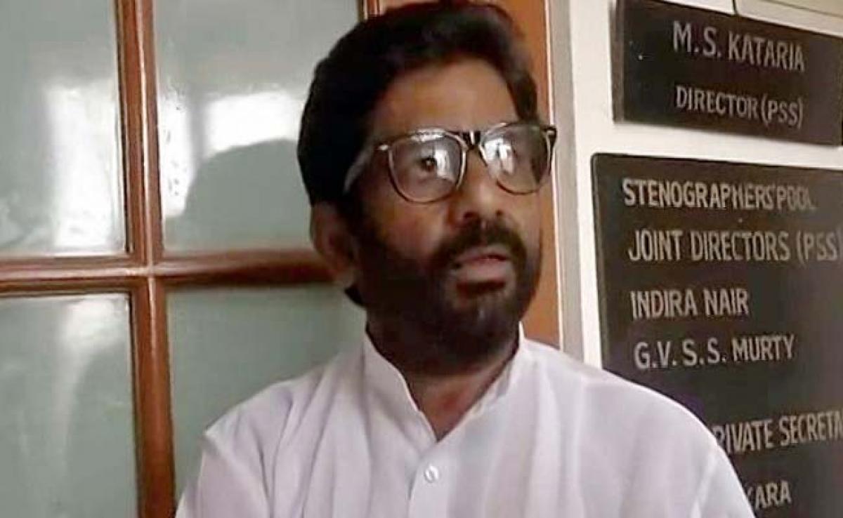 Shiv Sena MP Ravindra Gaikwad Leaves Train Midway, Untraceable