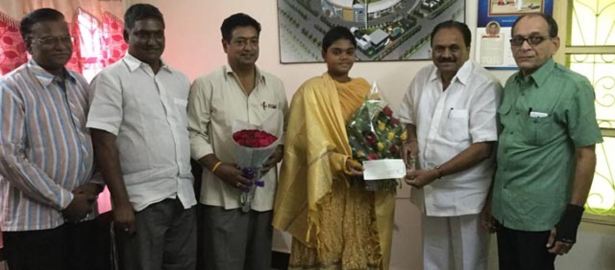 Andhra Cricket Association felicitates archer Surekha
