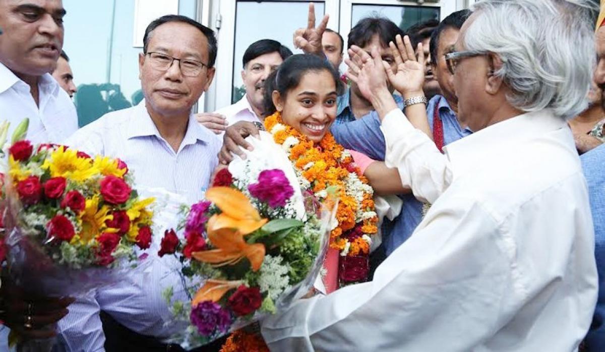 Dipa Karmakar gets a warm welcome on homecoming