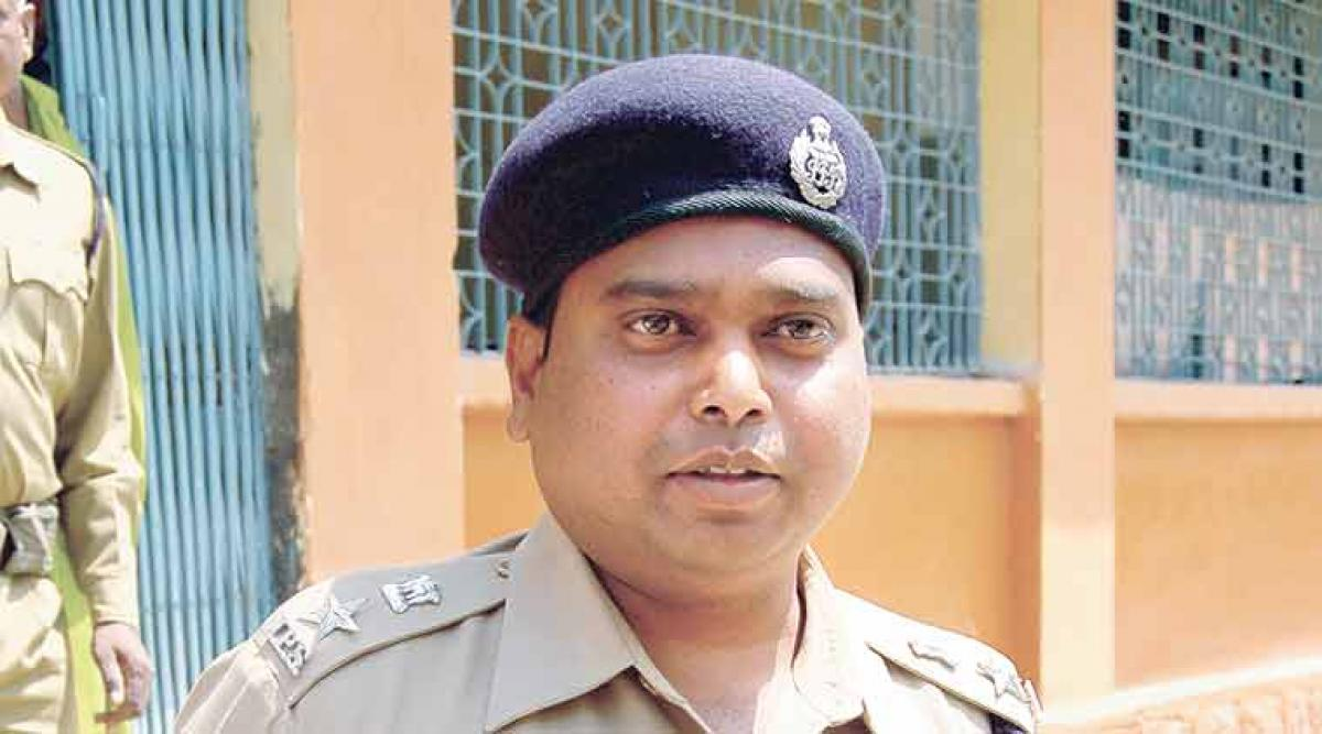 Chhattisgarh Top Cop Kalluri Accused Of Bullying Activists Gets Show Cause Notices