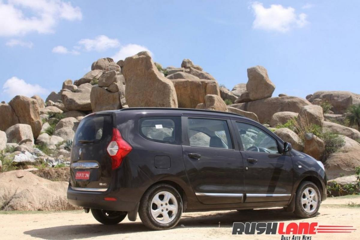 Check out Toyota Innovas rival Renault Lodgy MPV