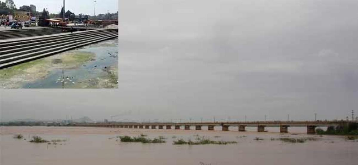 NMC sets up cell to curb Godavari river pollution