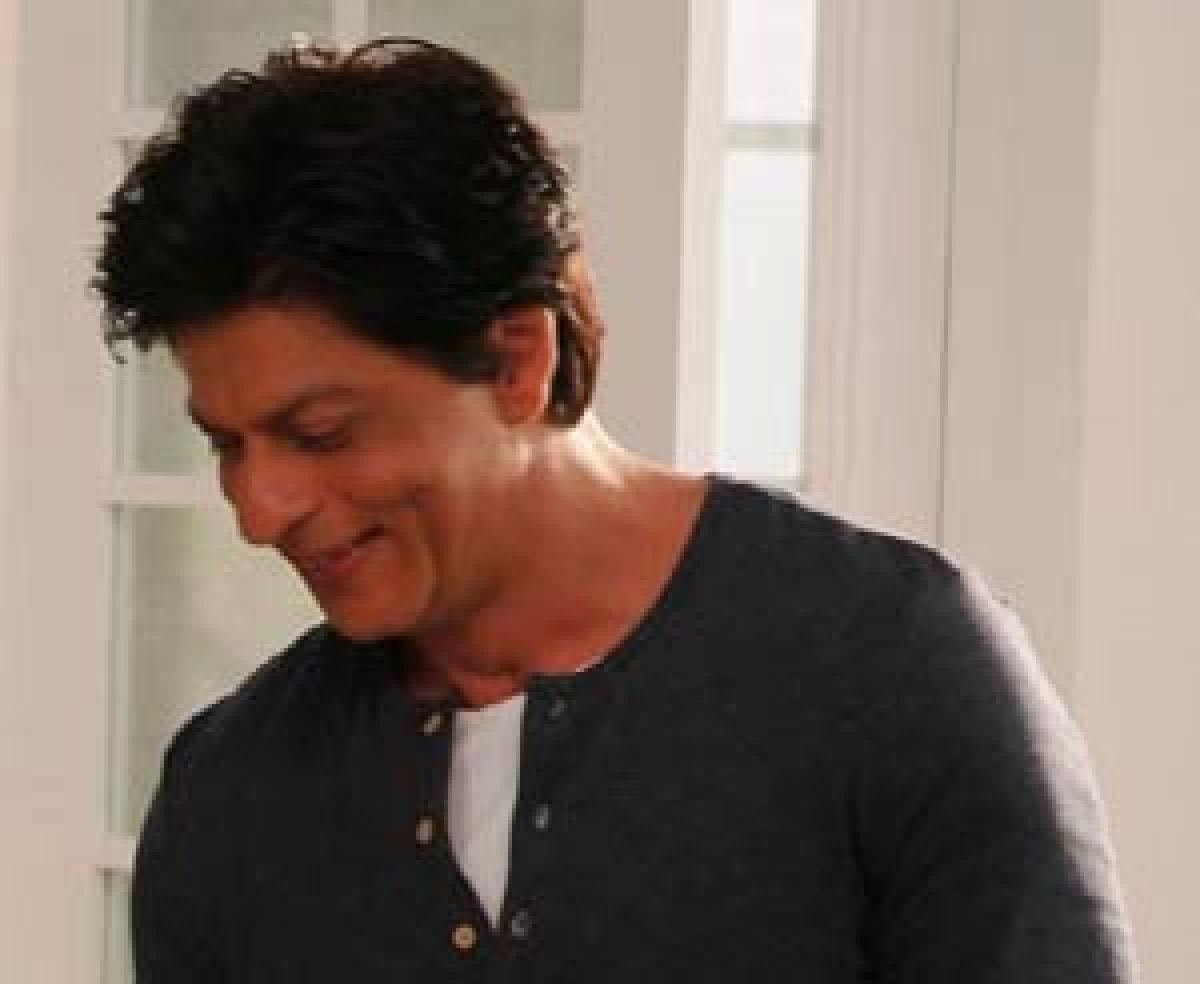 Nobody understands ordinariness better than SRK: Aanand Rai