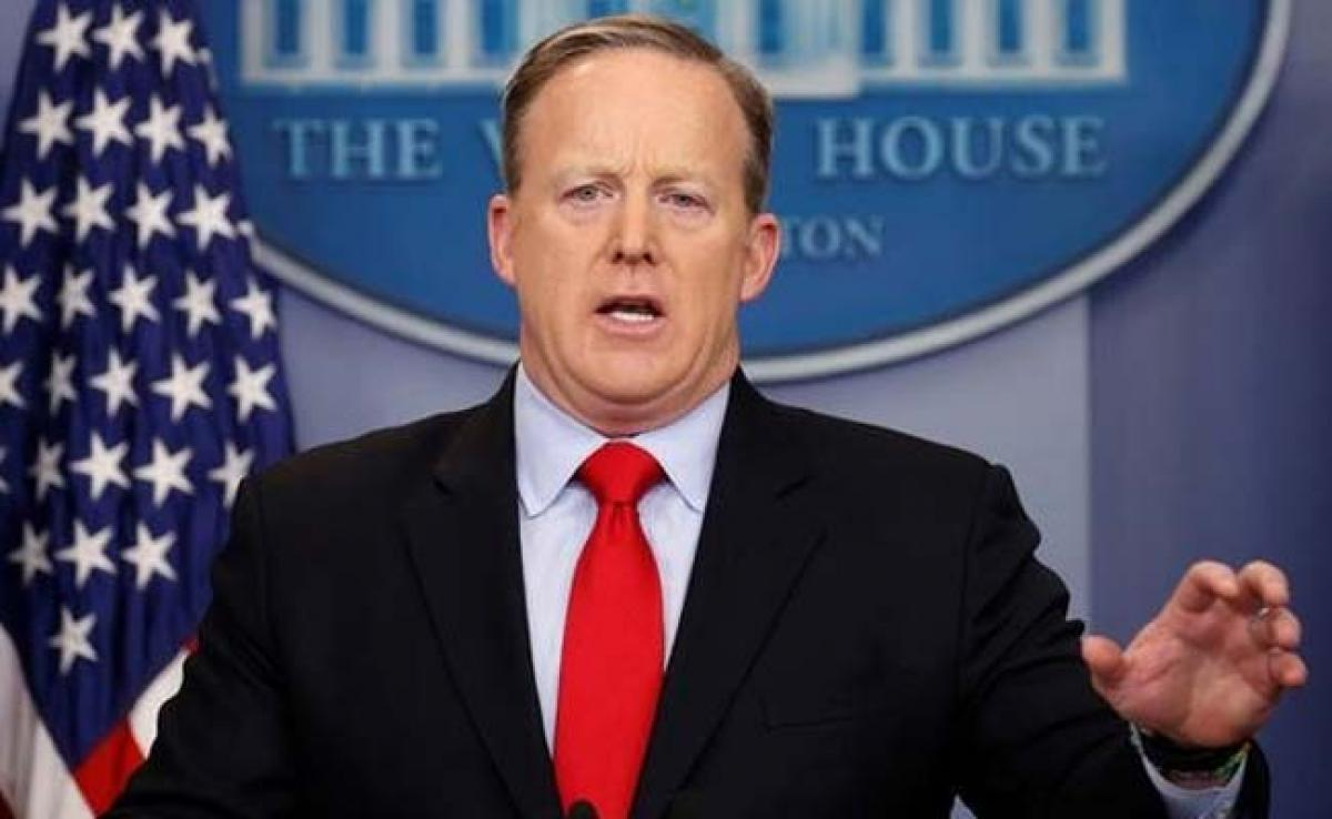 Sean Spicer Apologises For