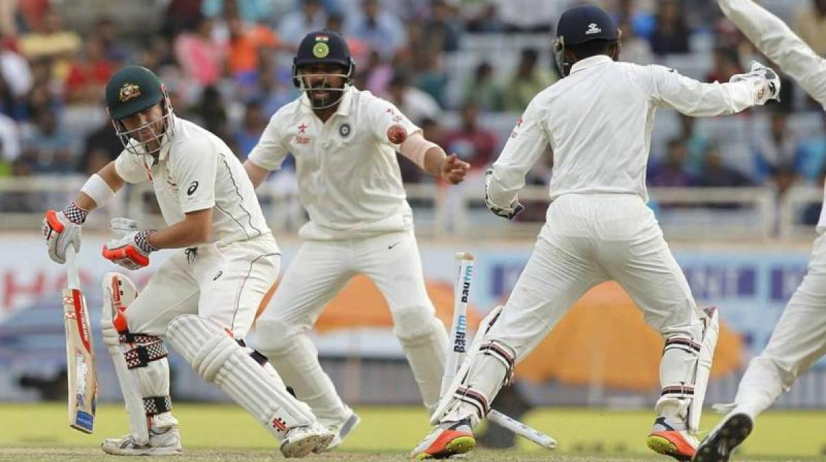 Australia lose crucial wickets; post 83/4 at lunch, trail by 69 runs