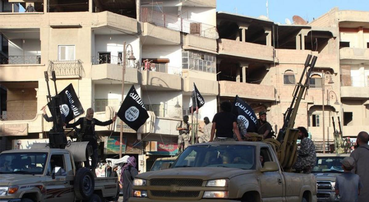 ISIS imposes Afghan dresscode for men in Syrias Raqa: monitor, activists
