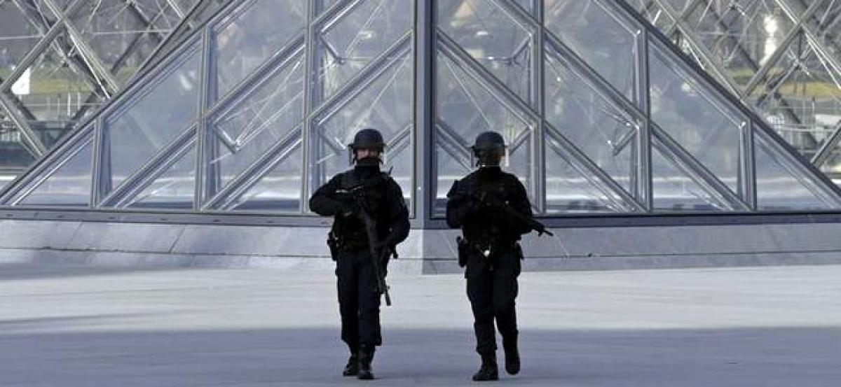 Suspect in Paris Louvre attack now talking to investigators