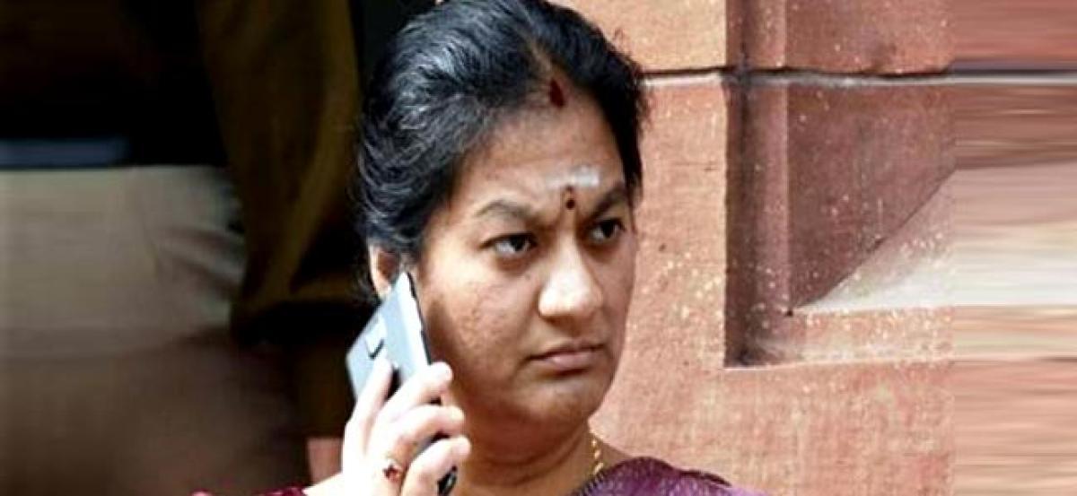 EC seeks response of AIADMK on Sasikala Pushpas complaint